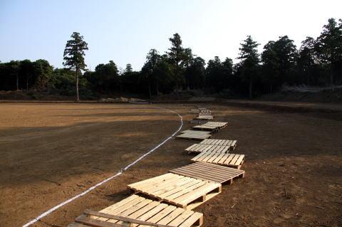 外野フェンスはパレットで